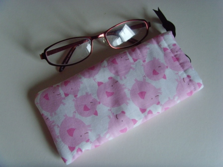 Glasses Case - Drawstring Jewellery Pouch - Pigs