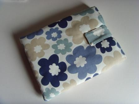 "iPad - 10"" Tablet Cover - Blue Flowers"
