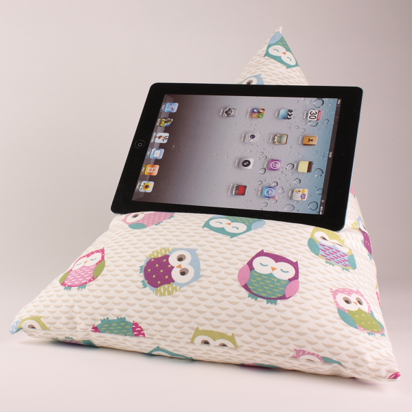 Owls - Tablet - iPad - e-reader - Book - Magazine - Beanbag - Cushion - Pillow