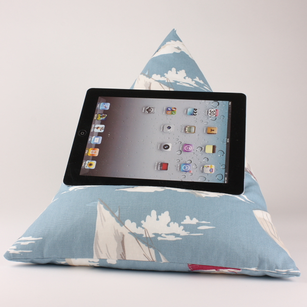 Skipper - Tablet - iPad - e-reader - Book - Beanbag - Cushion - Pillow