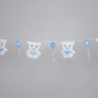 Beautiful Teddy bear bunting with hearts Free postage within the uk