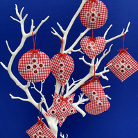 8 red and white gingham decorations, Free postage within the uk