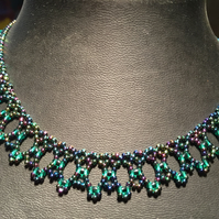 Beautiful Netted Beadwoven Necklace, Peacock Green