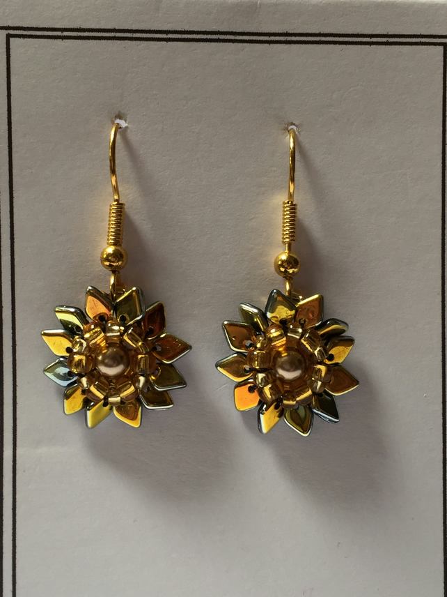 Fabulous Pair of Starburst Sunflower earrings - Stunning Party Glam!