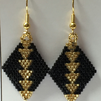 Gorgeous Art Deco 'Gatsby' Earrings - Beadwork - Black and Gold