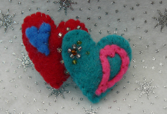 Softly Padded Felt Twin Heart Brooch - Valentine
