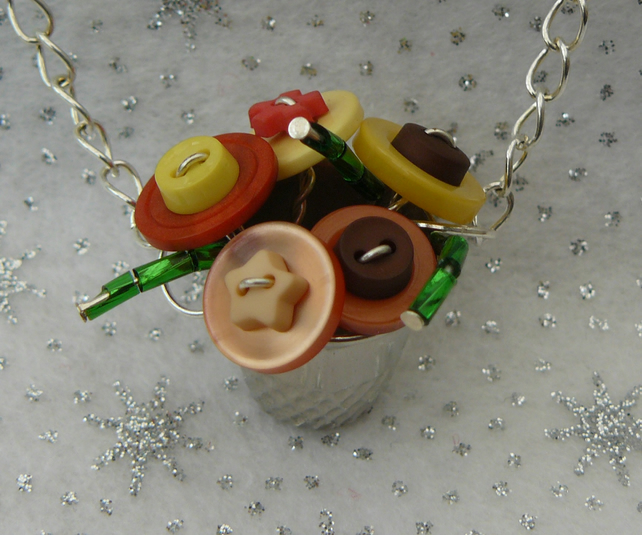 Autumn Shades Miniature Button and Thimble Bouquet Neclace
