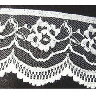 Delicate, Ivory Floral-one-half inch - Scalloped Lace - 2 meters