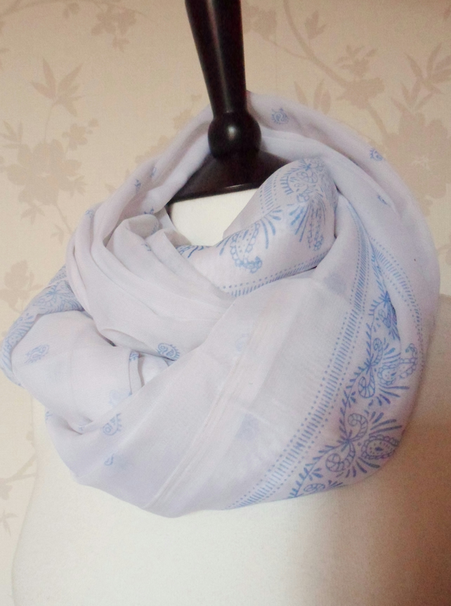 'Porcelain' white and soft blue paisley mini floral patterned scarf