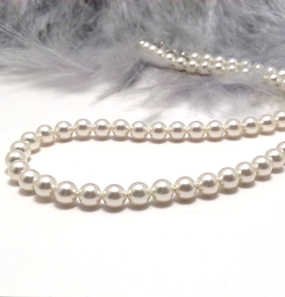 Classic Pearl Necklace. White Pearl Bridal Necklace. Cream Pearl Wedding Choker.