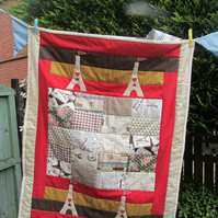 Quilt with eifel tower applique