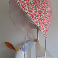 Cute little girls bonnet, fits 3 - 6 months,baby shower,baby gift,sunhat