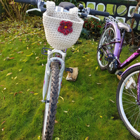 Crochet bicycle bag with flower detail. Bicycles, baskets. Free postage to UK