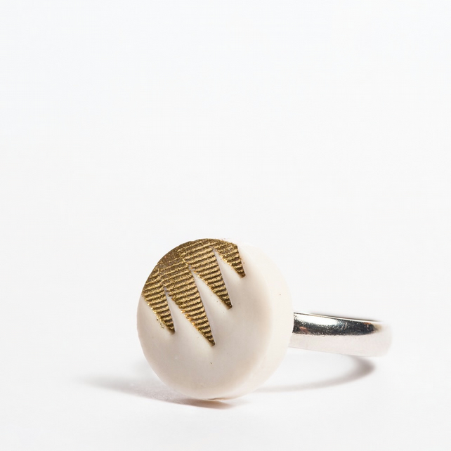 Porcelain Pattern White and Gold Ring