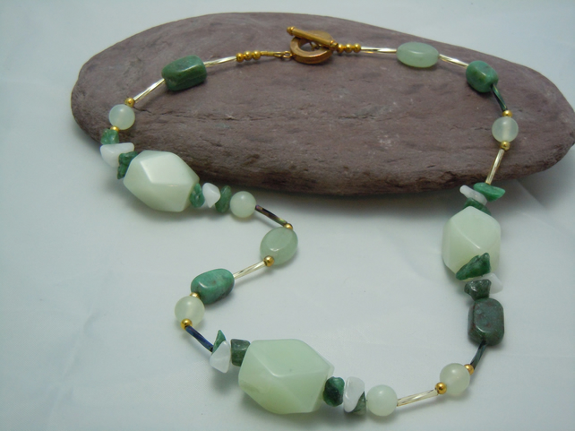 Chunky faceted Jade, Aventurine & snow quartz necklace in gold plate