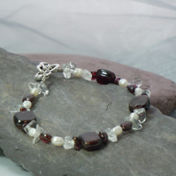 Gemstone Garnet, freshwater Pearls & Quartz bracelet with heart clasp