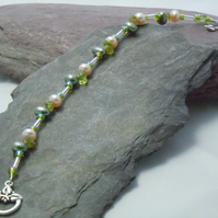 Gemstone Peridot & Freshwater pearls bracelet with glass beads