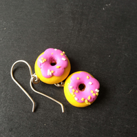 Kitsch Polymer Clay Donut Earrings - Pink with Yellow and White Sprinkles