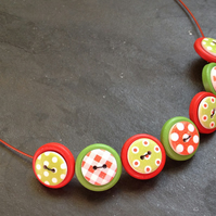 Folk Art Button Necklace Red & Apple Green