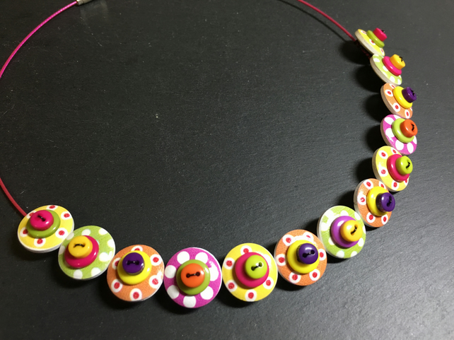 Button Necklace Spotted Wooden Choker  Tutti Frutti