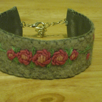 Pretty hand embroidered bracelet - grey felt with pink roses