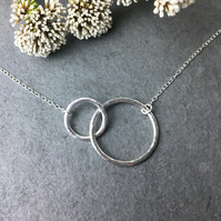 Linked circles sterling silver necklace, Hammered Interlocking circles necklace