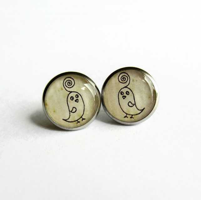 Quirky Bird Picture Resin Stud Earrings - Hypoallergenic