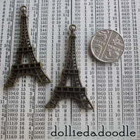4 bronze coloured Eiffel Tower (bronze) charms