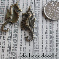 7 bronze coloured seahorse charms