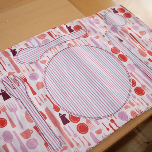 "Children ""learn to set the table"" Fabric Place mat"