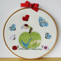 "Embroidered Hoop Art ""Regents Park Apple"""