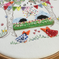 "Embroidered Hoop Art ""Glasthenbury"""