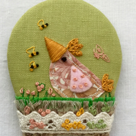 "Brooch ""Wilma the pink chick"""