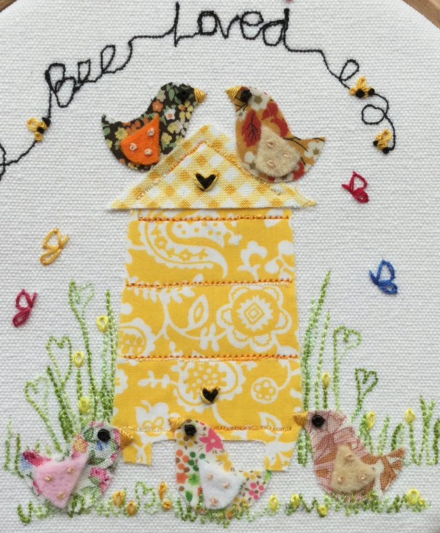 "Embroidered hoop art ""Bee loved"""