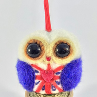 "Christmas decoration ""Betty the Owl""."