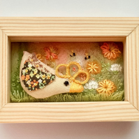 Mini box frame 'Sarah the sunflower chick'