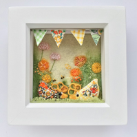 Shadow box frame 'Geraldine and Alice'