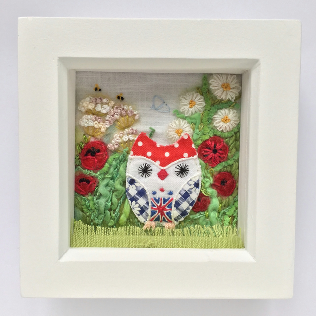 "Shadow box frame ""Betty owl"""