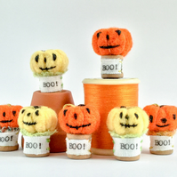Tiny Boo! pumpkin. Ideal for printers tray display.