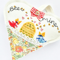 "Hanging Heart. ""bee mine"""