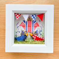 "Shadow box frame ""Royal Chicks"""