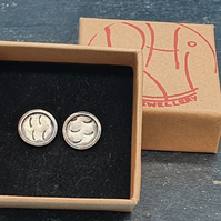 Sterling silver circle frame earrings