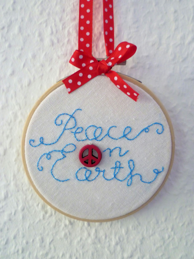 'Peace of Earth' Christmas hoop - Embroidery Beaded Hoop art