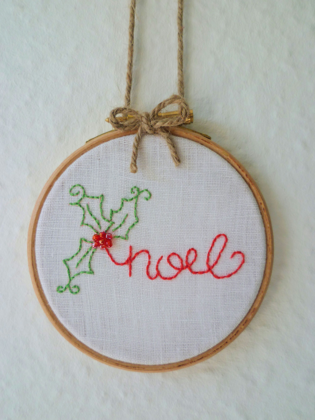 'Noel' Christmas holly - Embroidery Hoop art