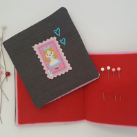 Child's Alice in Wonderland Sewing Needlebook Kit 4