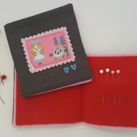 Child's Alice in Wonderland Sewing Needlebook Kit 6