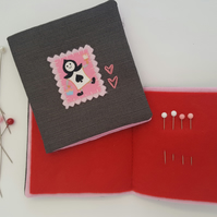 Child's Alice in Wonderland Sewing Needlebook Kit 7