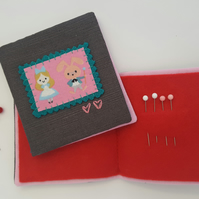 Child's Alice in Wonderland Sewing Needlebook Kit 3