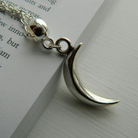 Large 3D Shinning Crescent Moon Charm Silver Necklace. Modern. Kitsch