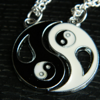 BLACK And WHITE Ying Yang Couples.Best Friends Charm Pendant Necklace.Funky
